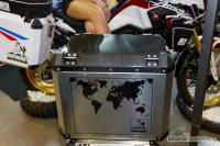 karbonové víko kufru