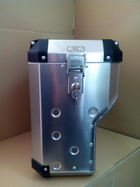 EVO4 Boční Střední M Výřez, svařovaný kufr